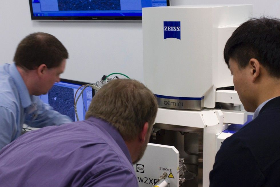 Electron Microscope User Meeting. ZEISS Microscopy Labs New York.